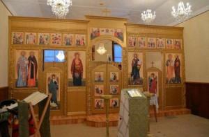 cons_Novyiy-ikonostas-Petropavlovskogo-hrama