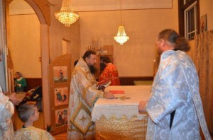 cons_Vozlozhenie-antiminsa-evangeliya-i-kresta-na-prestol