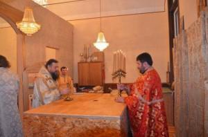 cons_Vozzhenie-svetilnikov-v-altare